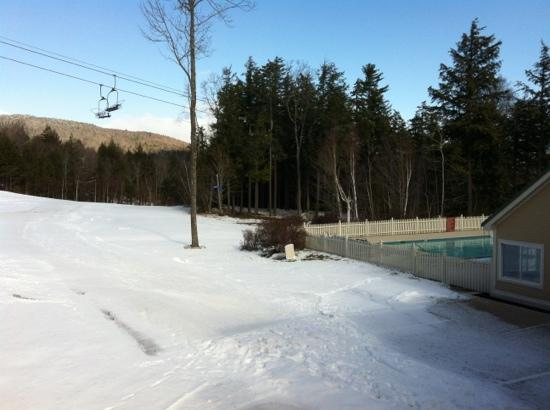 Sunday River Resort: ski in ski out access by blue trails, outdoor heated pool and hot tub