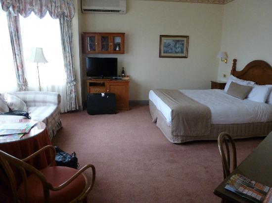 Mountain Heritage: Spa Bedroom 1