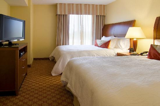 Hilton Garden Inn Wilmington Mayfaire Town Center: Well appointed guest rooms