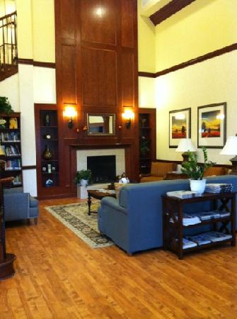 Country Inn & Suites By Carlson, Lexington Park (Patuxent River Naval Air Station): Welcome Home to Lounge and Relax Country