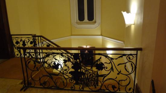 Villa Spalletti Trivelli: Escalier