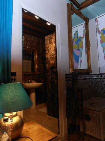 Hotel de Nesle : Our suite - The Oriental room.