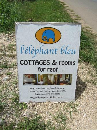 L'Elephant Bleu Cottages: Eingangsschild