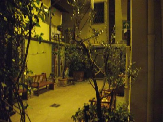 Hotel River: the winter garden courtyard