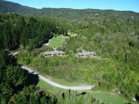 Treetops Lodge & Estate: View of the lodge from a helicopter