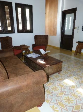 La Terraza de San Juan: Our spacious living room