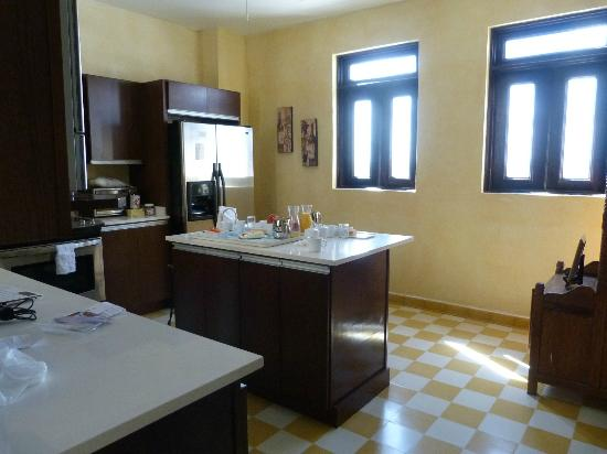 La Terraza de San Juan: Our sunny kitchen