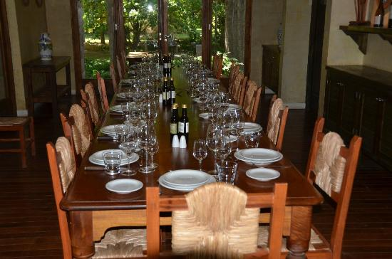 Casa del Visitante - Familia Zuccardi: Big dining room