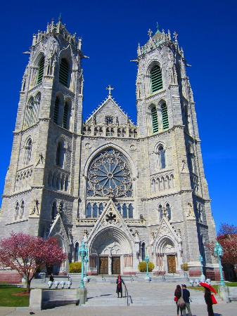 Cathedral Basilica of the Sacred Heart: BreathTaking!