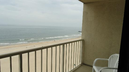 Beach Quarters Resort : balcony on 11th floor