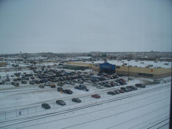 Fairfield Inn & Suites by Marriott Winnipeg: View from room - Walmart.