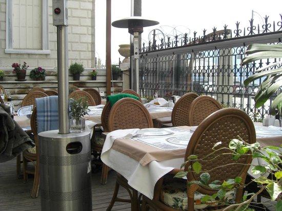 Tavaci Recep Usta: patio
