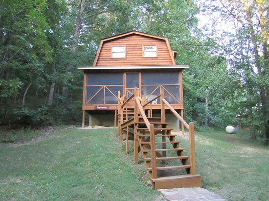 Taswell, IN: Cabin's front view