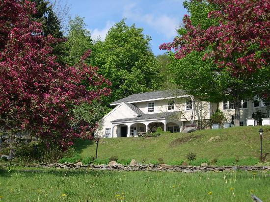 Deerhill Inn Restaurant: Spring Blossoms