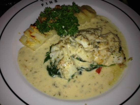 Fins Seafood Grill : Cod Entree