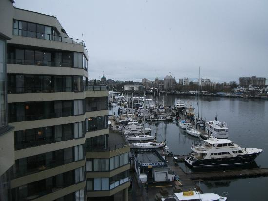 Victoria Regent Hotel: View of Parliament Buildings with marina in foreground