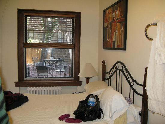 Hotel 309: vue du pt jardin non accessible