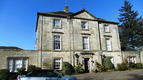 Strathaven Hotel: 255 Year Old Mano House Hotel