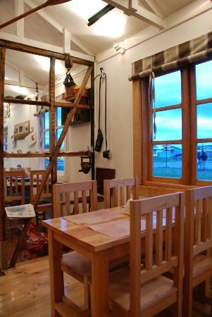 Restaurant Cafe Cangrejo Rojo: inside