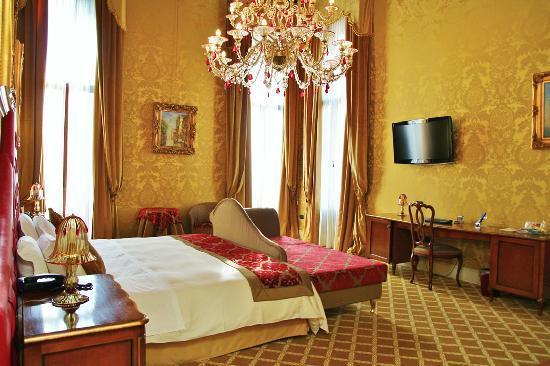 Pesaro Hotel Venezia