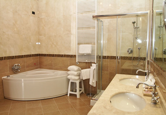 Hotel Pesaro Palace : Bathroom