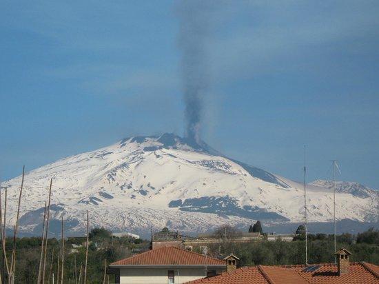 B&B ValleAllegra: ETNA in eruzione dal giardino di casa