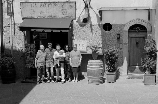 La Bottega Di Giovannino: la famiglia Bernardoni