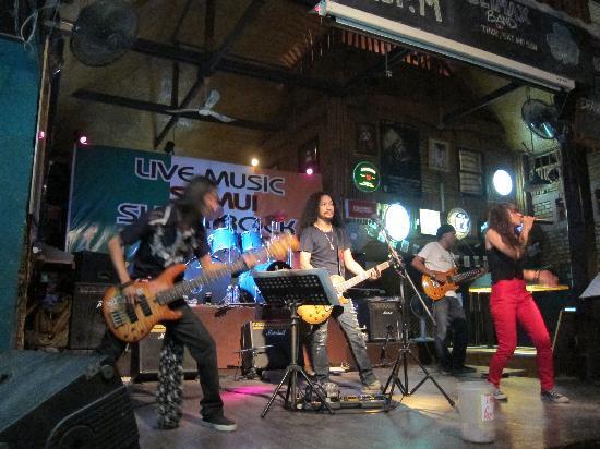Samui Shamrock : Live music
