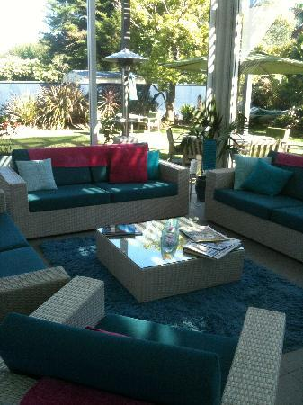 Breakfast on the Beach Lodge: Lounge area