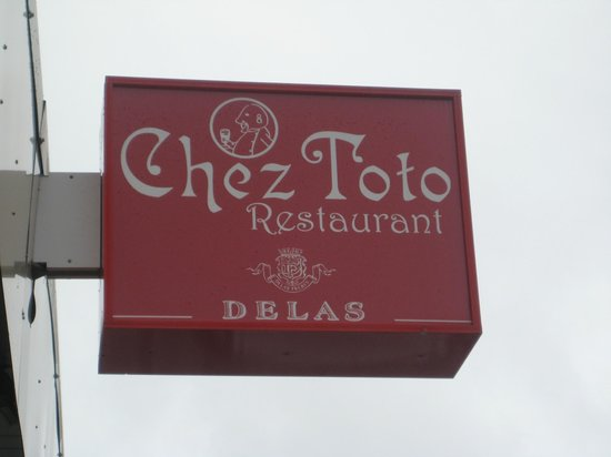 Chez Toto Restaurant: 看板