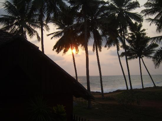 Blue Water Beach Resort : sunset from the room