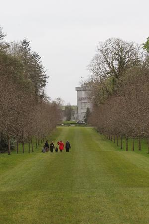 Dromoland Castle Hotel: View of castle and Falconry on our walk in the grounds