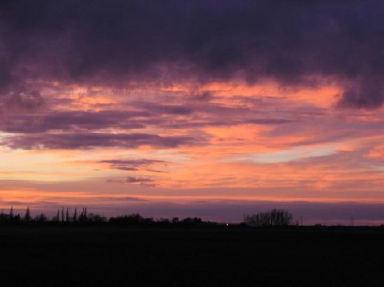 Bodgers Farm Pottery : A Fens sunset at Bodgers Farm