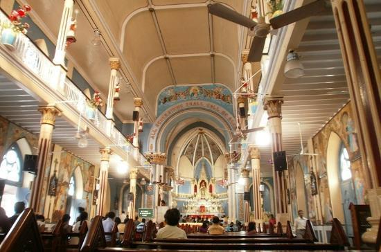 Mount Mary Church: 教会内部