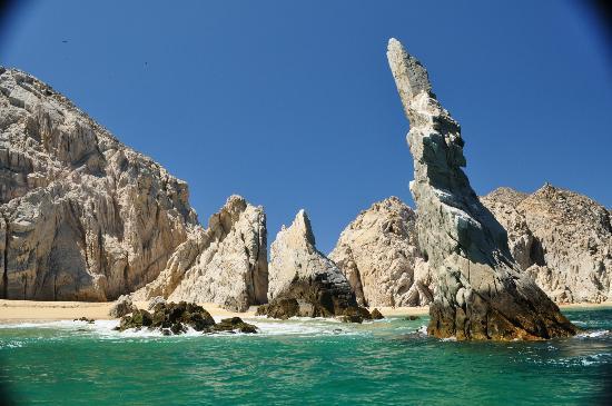 Playa del Amor : Approaching Lovers Beach/Baja Rock