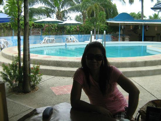 Dangkalan Beach Resort and Restaurant: at the bar counter infront of swimming pool