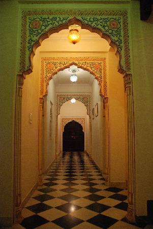 OYO 1674 Hotel Tordi Haveli: Corridor