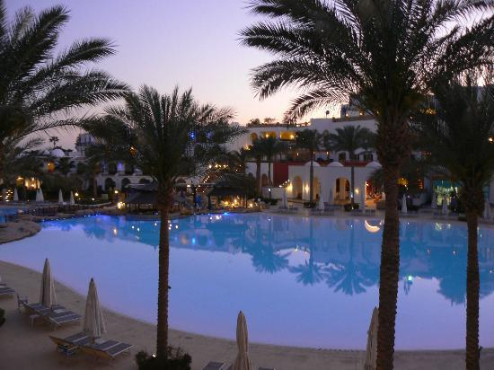 The Royal Savoy Sharm El Sheikh: Evening view from balcony