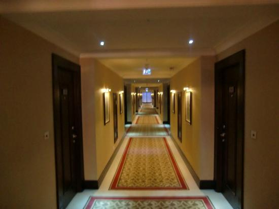 Crowne Plaza Istanbul Asia: Corridors on 5th floor
