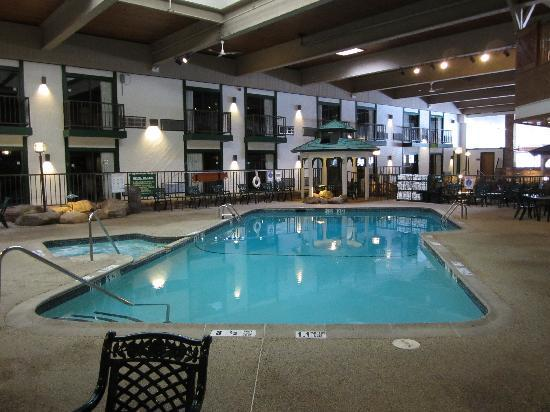 Quality Inn Lake Placid: Pool Side