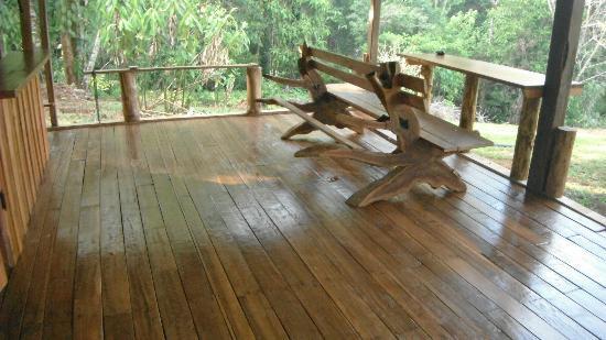 Casa Pequeña : este suelo de madera le da resplendor al restaurante