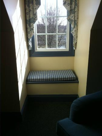 The Founders Inn and Spa: Lovely window seat