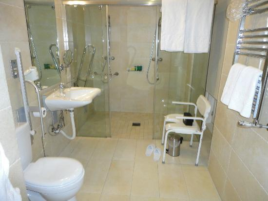 Lusso Infantas: Bathroom superior room