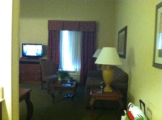 Hampton Inn & Suites Cincinnati Union Centre: Double Suite