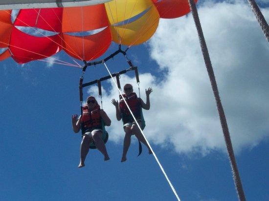 Flying Kiwi Parasail Image