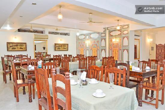 Suite heritage picture of rani mahal a heritage hotel for Aashiyana indian cuisine