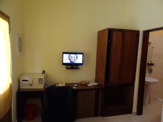Azalai 24 de Setembro: Bemole la mini TV (ch standard)