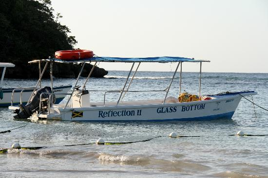 ‪كابلز سان سوسي أول إنكلوسيف: glass bottom boat‬