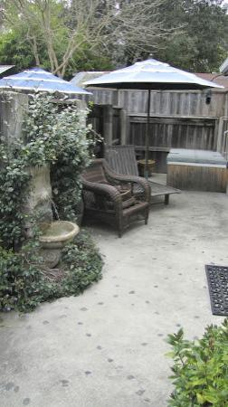 Lavender - A Four Sisters Inn: Private  courtyard