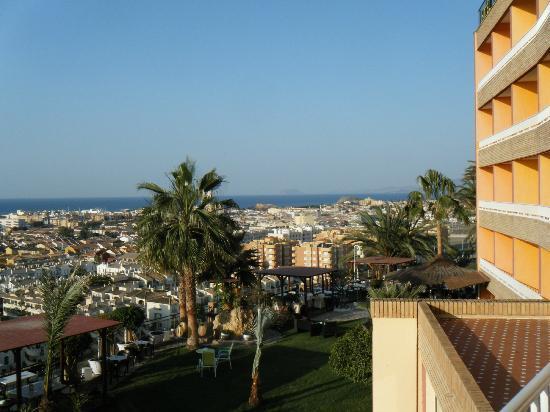 Hotel La Cumbre: from balcony to the right